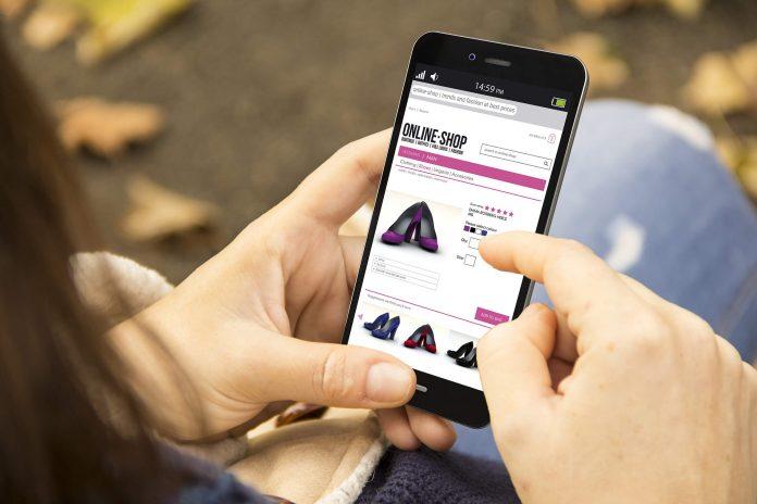E-commerces de moda e cosméticos registram alta no faturamento em abril