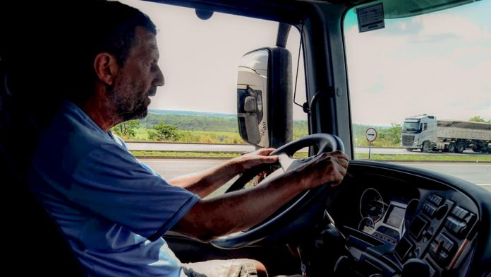Caminhoneiros terão agente pessoal de saúde na estrada